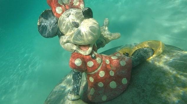 キャスタウェイ・ケイ-海の中のミニー