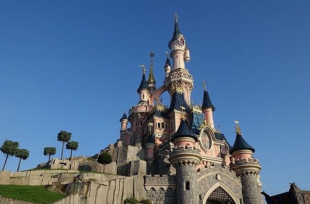 眠れる森の美女の城