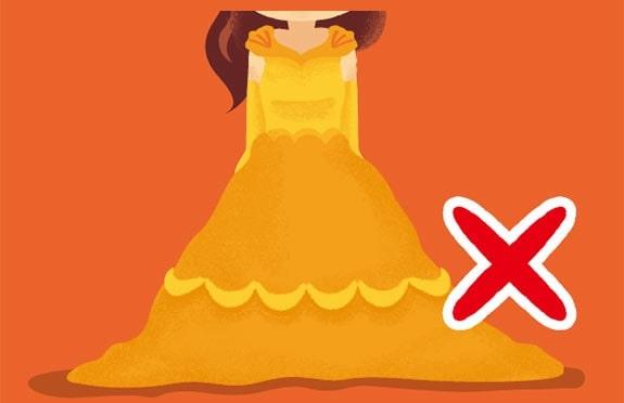 ディズニー全身仮装裾を引きづるドレス
