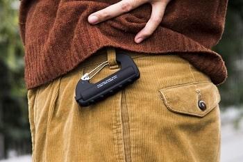 カラビナ型モバイルバッテリー